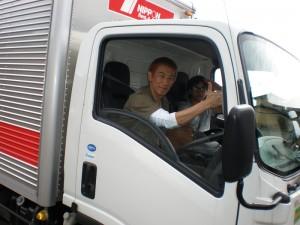 Aチームの搬送用トラックを運転し亘理町へ出発