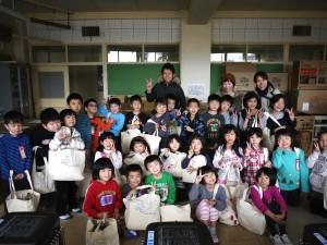 住吉小学校一年生と記念撮影